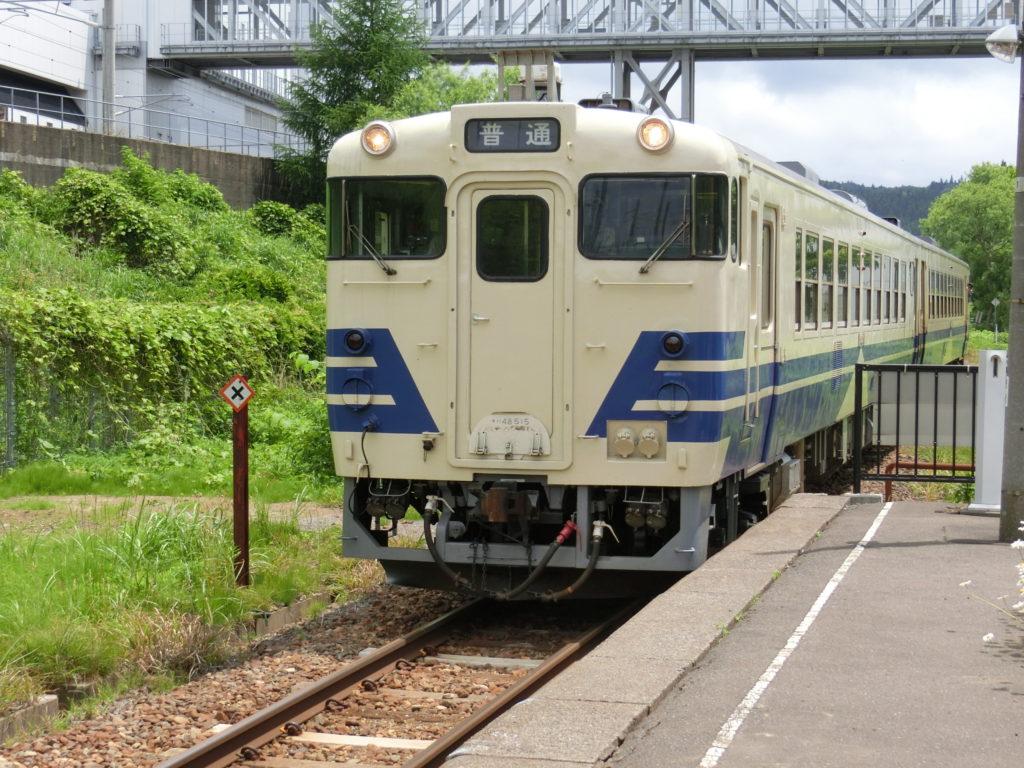 津軽二股駅から、この列車に乗りました
