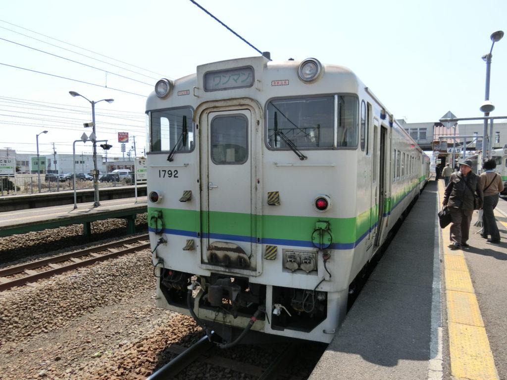 キハ40系気動車(木古内駅にて)