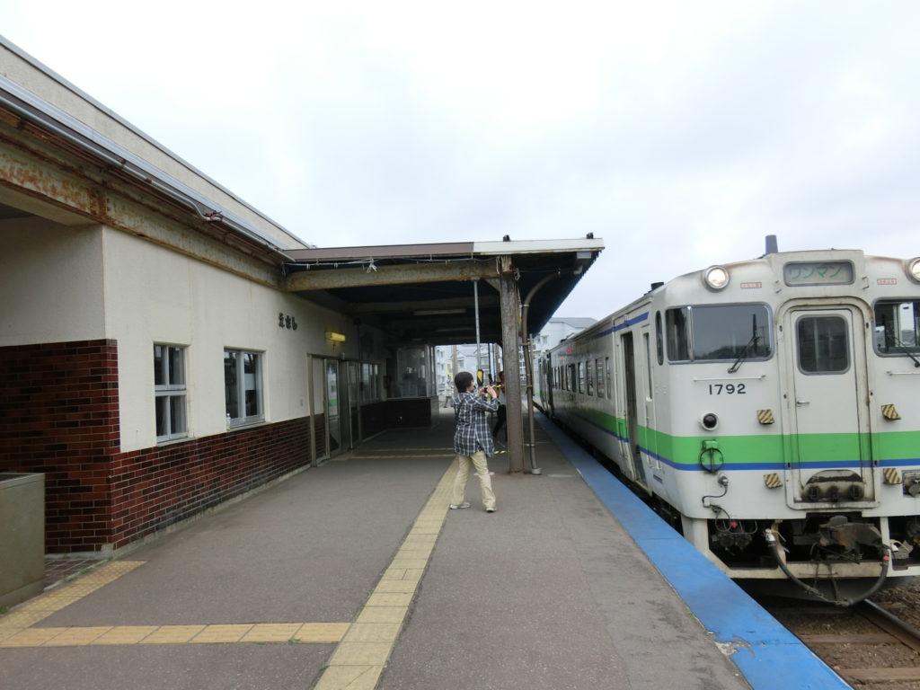 江差駅ホーム