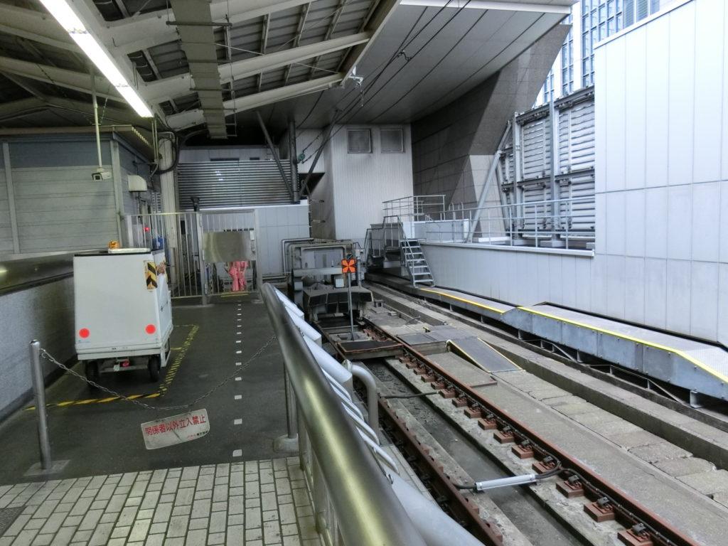 東京駅19番線の終端と車止め