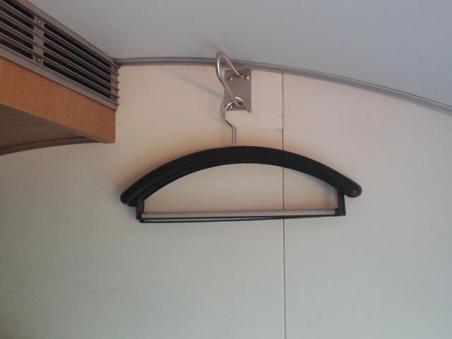 カシオペア個室内ハンガー