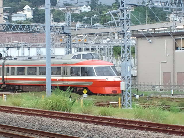 小田原駅にて小田急ロマンスカー