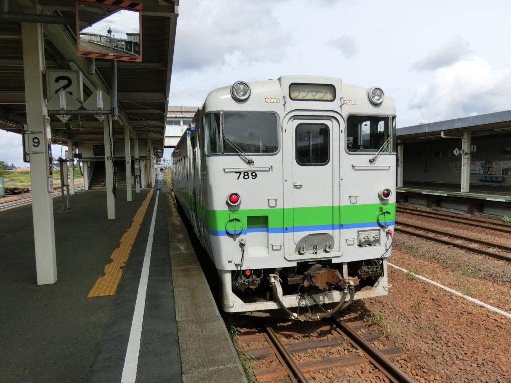 キハ40系気動車(追分駅にて)
