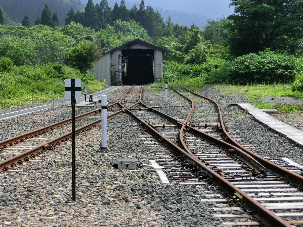 津軽線の終端は車庫
