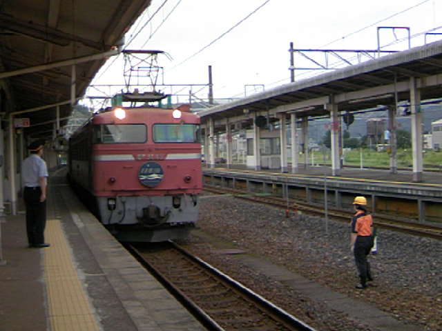 寝台特急「日本海」敦賀駅に到着