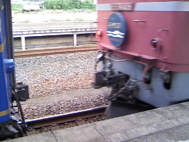 寝台特急「日本海」機関車切り離し