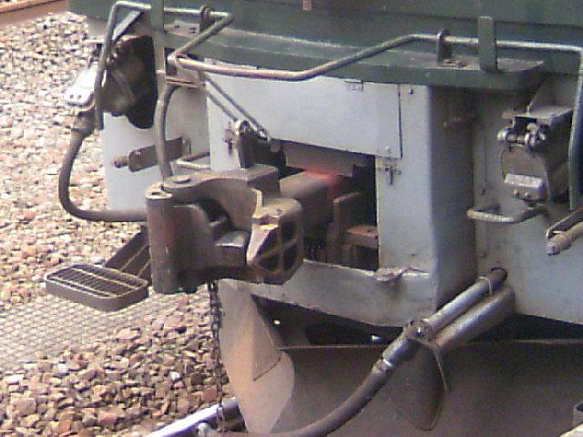 電気機関車の連結器