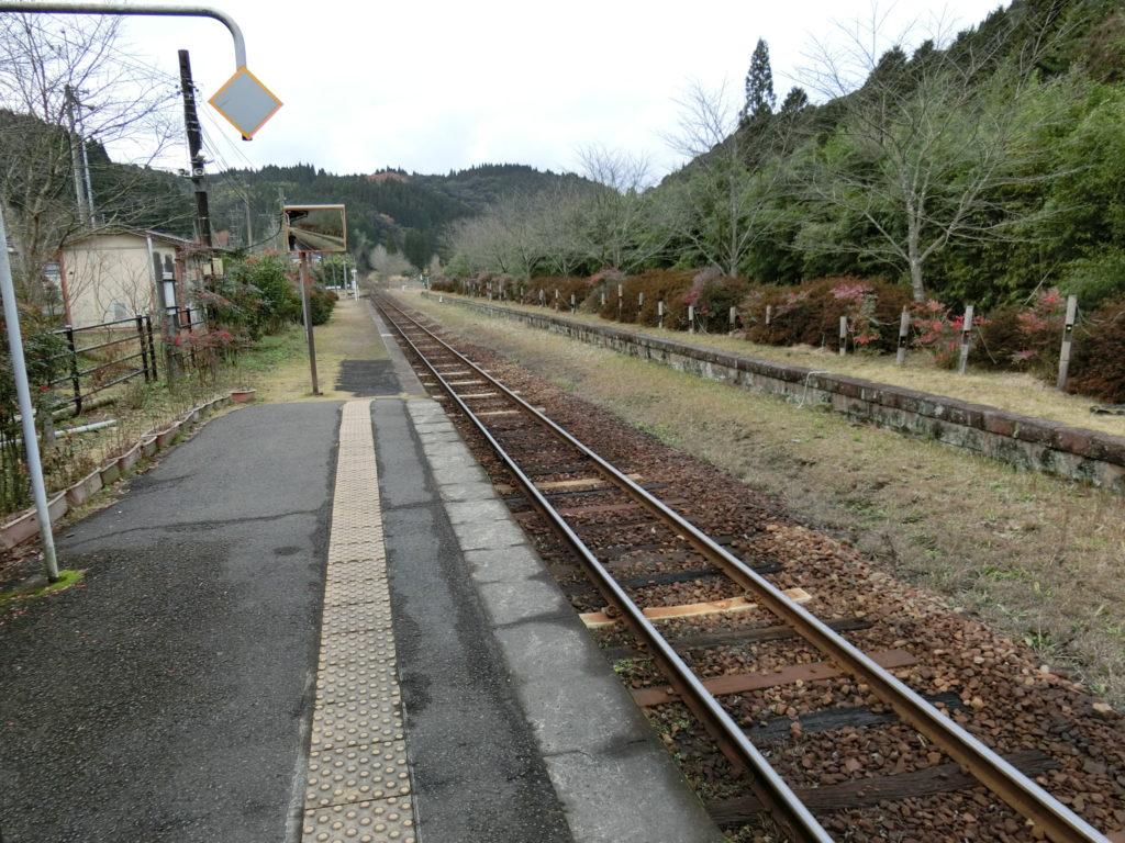嘉例川駅ホーム 人吉方面を眺める