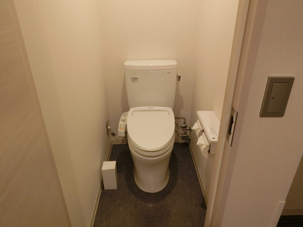 ホテル・ラ・ジェント・プラザ函館北斗の部屋(デラックスツイン)のトイレ